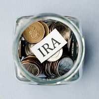What Are the Differences Between a Traditional IRA and a Roth IRA?