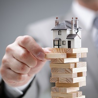 Pros and Cons Of Owning the New Market Sector: Real Estate